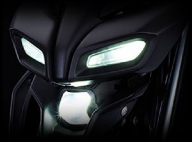 mt-15-headlight-big-0